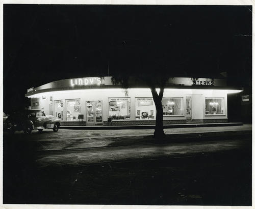 Photograph of Lindy's Restaurant in Corona.