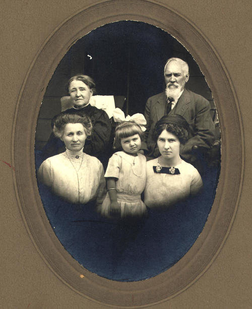 Four generations, great grandmother and great grandfather  Stobbs, Grandmother Mary McNeil, Mother Grace Huff, Child Harriet