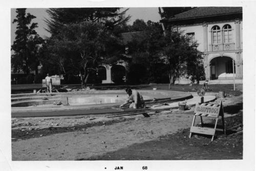 Installation of the Civic Center Fountain (Founders Fountain)