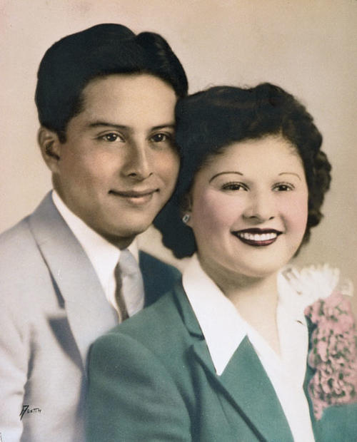 Wedding picture of Erlinda and Reynaldo Aparicio.
