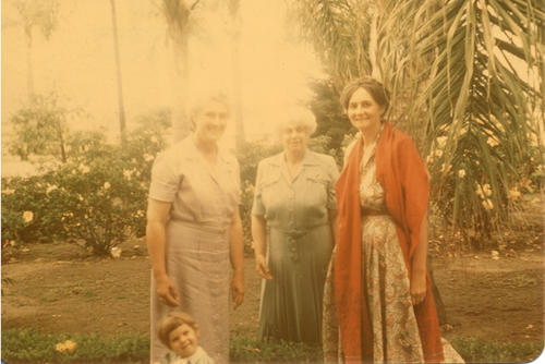 People L-R Hetty Joy Elmore, Eloise Jameson and Adelaide Jameson David. Photo from the Bernice James Todd collection.