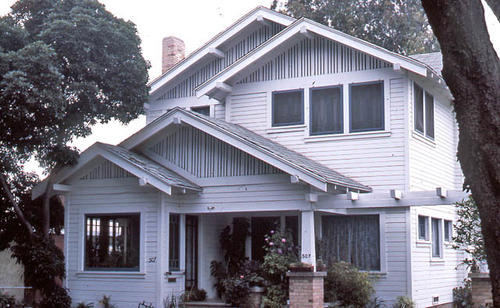 This slide is of the Corona residence located at 507 W. Eighth Street.  It was taken during April 1985. - SLIDE CONDITION:  Good