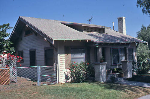 This color slide is of the house located at 1002 S. Belle Street. - SLIDE CONDITION:  Good.