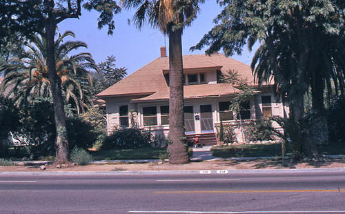 This slide is a photograph of 714 - 716 E. Grand Boulevard.   The structure was built in 1910.  Additional information is in the building survey file. This photograph was taken in October 1984. - SLIDE CONDITION:  Good.