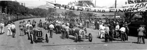 First row right to left: 15 Gandy Spec, Waterman; 4 Mercer, Pullen; 11 Delage, Oldfield. Second row: 2 Sunbeam, Hughes; 7 Peugeot, Burman (killed in this race with an engineer and one spectator); 8 Stutz, Cooper.  Third row: 14 Gandy Spec, Gandy; 9 Tahrs, Teel; 6 Chev. Cyclone, Durant. Fourth row: 5 Omar, Tetzlaff; 1 Mercer, Thomas (second place); 12 Duesenberg, O'Donnell (first prize at 85.7 mph and $5,000.00)