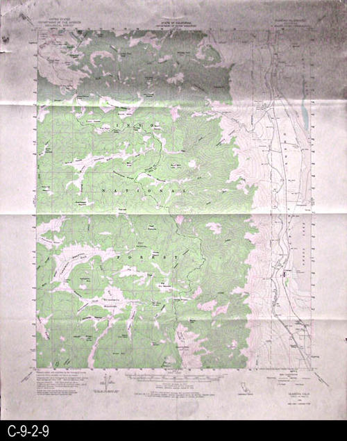 "This map is published by the U. S. Geographical Survey.  MEASUREMENTS:  21 3/4"" x 18"" - CONDITION:  This map is fully legible, but the top 5"" of the map has sustained damage causing a darkening.  - COPIES:  1 - MAP ORIENTATION: Top is North."