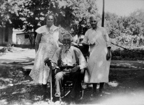 Left to Right: Sarah Jane Riley Russel Bryan (daughter); William Mahlon Riley (father); Sarah Koile Riley (stepmother).