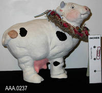 Cast Art/Standing Cow - Clay